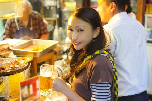 Meeting Japanese women in bars - Asia Loving